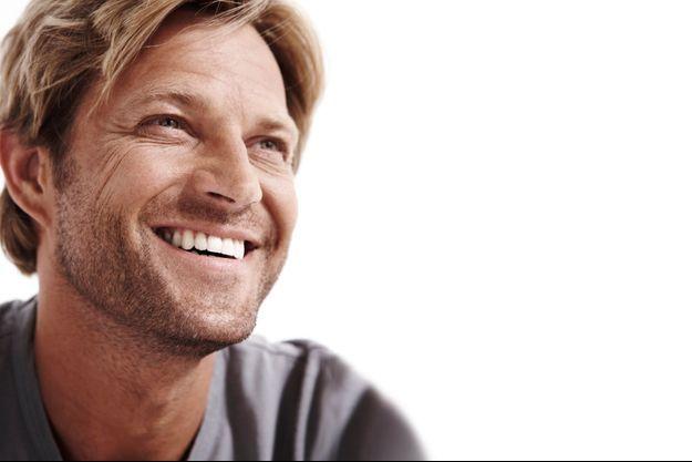 Laurent Delahousse, un look de star de Hollywood mais un sourire cool…