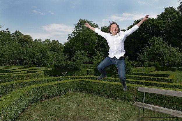 Passionné d'horticulture, Stéphane Bern a confié son parc au paysagiste Louis Benech, connu pour ses travaux aux Tuileries, à Versailles et à Vaux-le-Vicomte.
