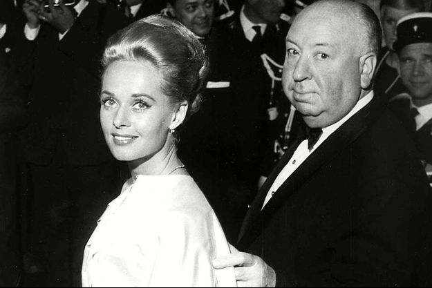 Tippi Hedren et Alfred Hitchcock au festival de Cannes en 1963.