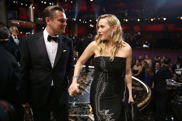 Kate Winslet et Leonardo DiCaprio lors des Oscars en 2016.