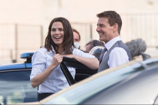 "Hayley Atwell et Tom Cruise en octobre 2020 sur le tournage de ""Mission Impossible 7"" à Rome"