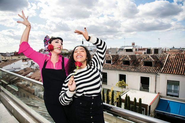 Avec sa fille Luna,18 ans, à Madrid, le 8 novembre. Elle sera aussi à l'affiche de « Mon brillantissime divorce », de Michèle Laroque, dont la sortie est prévue en janvier.