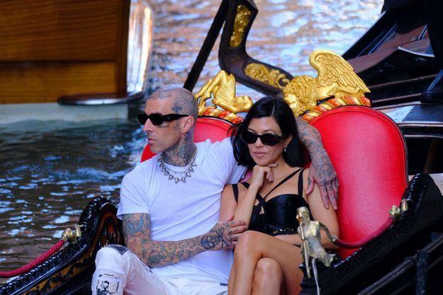 Travis Barker et Kourtney Kardashian à Venise le 30 août 2021.
