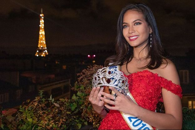 Vaimalama Chaves et la couronne de miss France 2020.