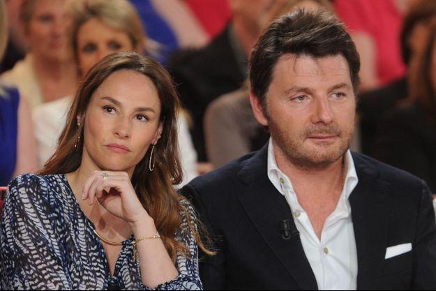 """Philippe Lellouche et Vanessa Demouy sur le plateau de """"Vivement dimanche"""" le 7 mai 2014."""