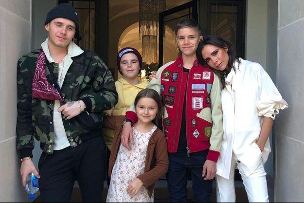 Victoria Beckham avec Brooklyn, Romeo, Cruz et Harper