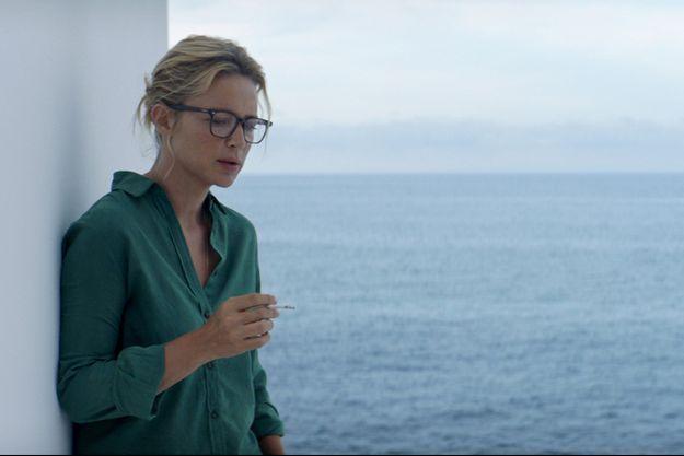 """Virginie Efira dans """"Sibyl"""", film en compétition lors du 72e Festival de Cannes."""