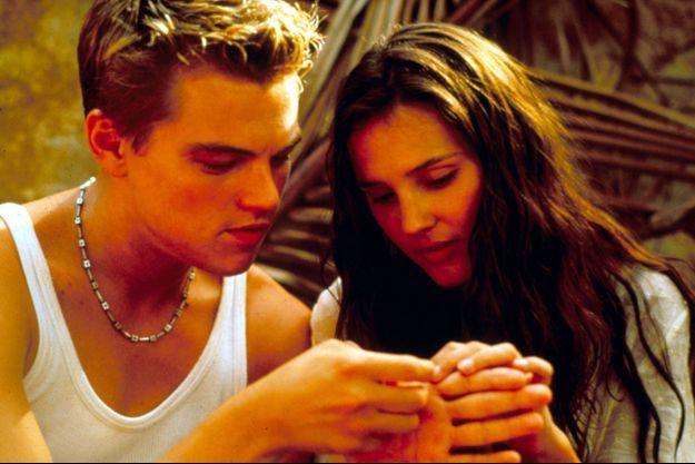 """Leonardo DiCaprio et Virginie Ledoyen sur le tournage de """"La Plage"""", de Danny Boyle (1999)"""
