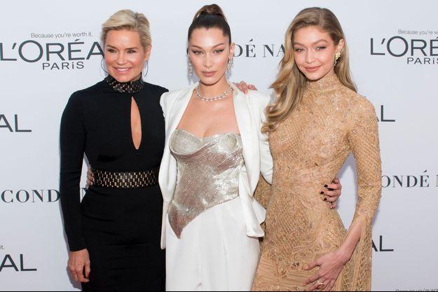 Yolanda Hadid avec ses filles Bella et Gigi en 2017