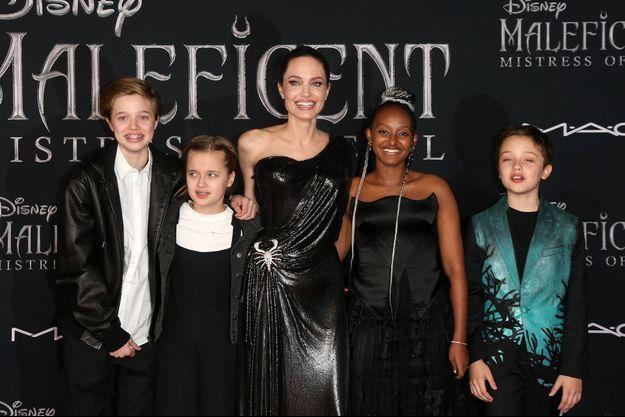 Angelina Jolie, sa fille Zahara Jolie-Pitt et ses frères et soeurs à Los Angeles le 30 septembre 2019.