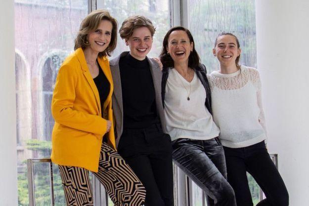 Esmeralda de Belgique, Anuna De Wever, Sandrine Dixson-Declève et Adélaïde Charlier, militantes passionnées, unissent leurs forces dans un échange intergénérationnel et didactique.