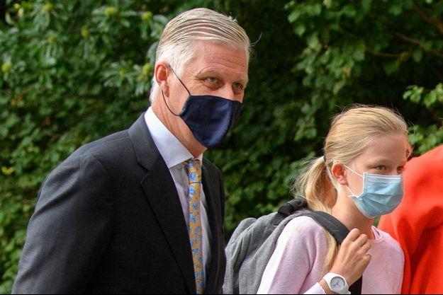 Le roi des Belges Philippe avec sa plus jeune fille la princesse Eléonore, le 1er septembre 2020