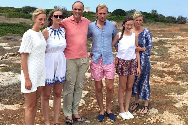 La princesse Astrid de Belgique pose en famille en Italie en août 2015