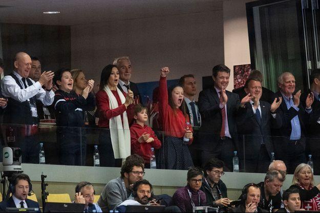 La princesse Mary et le prince Frederik de Danemark avec les princes Christian et Vincent et la princesse Isabella à la finale du Mondial de handball à Herning, le 27 janvier 2019