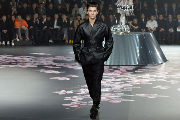 Le prince Nikolai du Danemark défile pour Dior Homme à Tokyo, le 30 novembre 2018