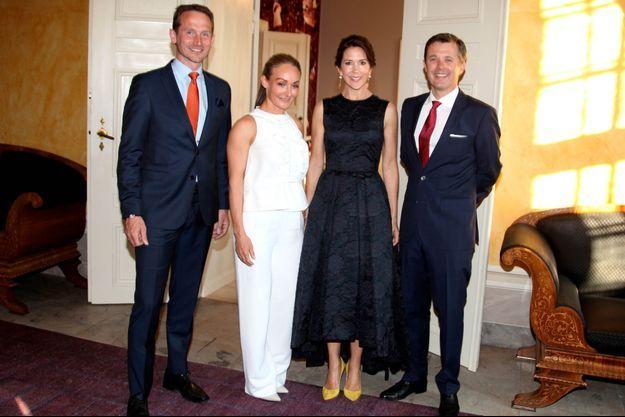 La princesse Mary et le prince Frederik de Danemark au palais d'Amalienborg à Copenhague, le 11 mai 2016