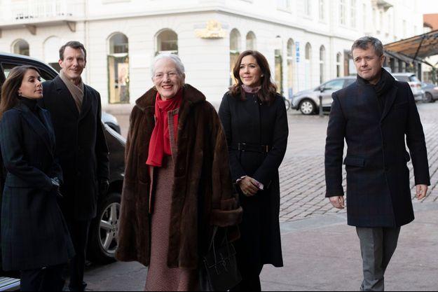 La reine Margrethe II de Danemark avec les princes Joachim et Frederik et les princesses Marie et Mary à Aarhus, le 25 décembre 2018