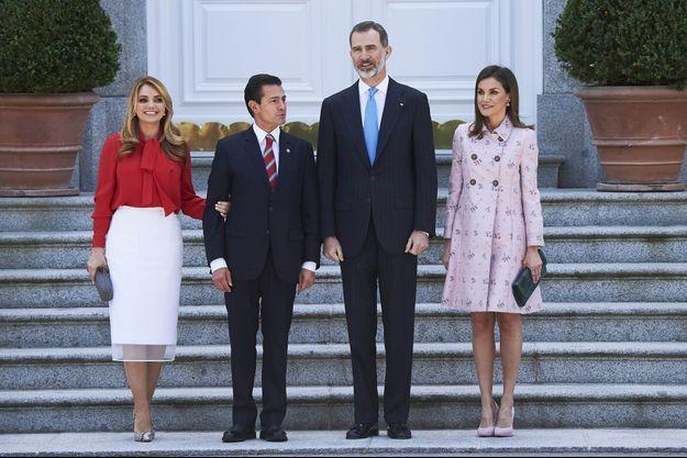 La reine Letizia et le roi Felipe VI d'Espagne avec le président mexicain et sa femme à Madrid, le 25 avril 2018