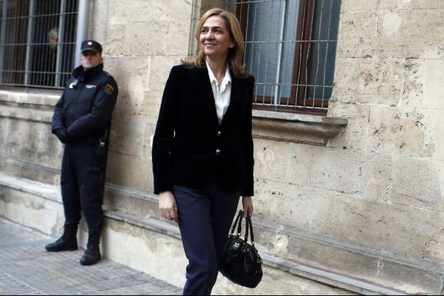 En arrivant au tribunal, samedi, l'Infante Cristina a affiché sa décontraction.