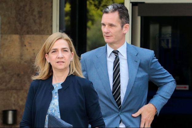 L'infante Cristina d'Espagne et son mari Inaki Urdangarin à la sortie du tribunal de Palma de Majorque, le 14 juin 2016