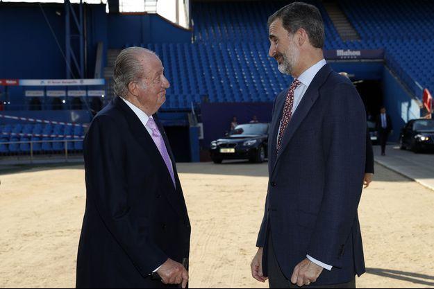 Juan Carlos et Felipe à Madrid en janvier 2018.