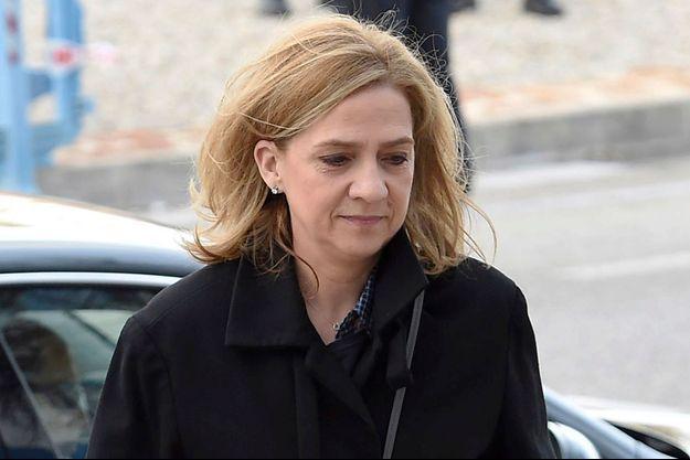 L'infante Cristina d'Espagne à son arrivée au tribunal de Palma de Majorque, le 9 février 2016