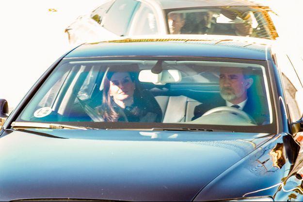 La reine Letizia et le roi Felipe VI d'Espagne arrivent pour les funérailles de l'infante Pilar à Madrid, le 10 janvier 2020