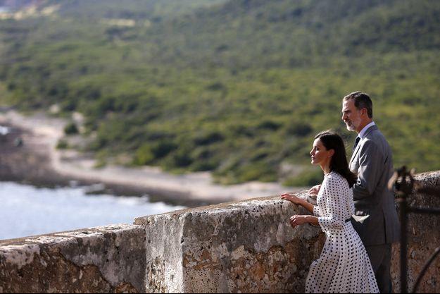 La reine Letizia et le roi Felipe VI d'Espagne au château de San Pedro de la Roca à Santiago de Cuba, le 14 novembre 2019