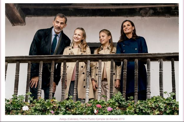 Carte de voeux de la reine Letizia, du roi Felipe VI d'Espagne et de leurs filles, dévoilée en décembre 2019