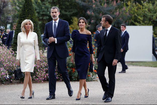 La reine Letizia et le roi Felipe VI d'Espagne avec Brigitte et Emmanuel Macron à Paris, le 5 octobre 2018