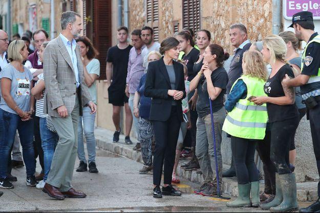 La reine Letizia et le roi Felipe VI d'Espagne sur l'île de Majorque, le 12 octobre 2018