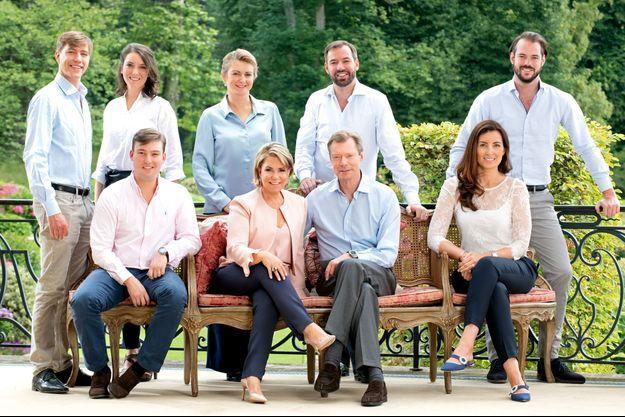 La grande-duchesse Maria Teresa et le grand-duc Henri de Luxembourg avec leurs enfants et leurs belles-filles en juin 2018. Photo diffusée le 1er janvier 2020 avec leurs voeux