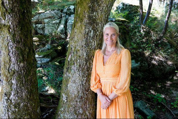 La princesse Mette-Marit de Norvège en vacances sur l'île de Dvergsøya, le 17 juillet 2020
