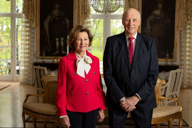 Le roi Harald V et la reine Sonja de Norvège, le 15 mai 2020