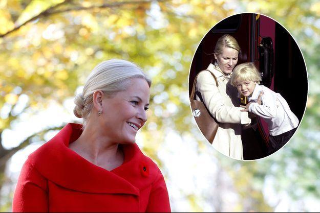 La princesse Mette-Marit de Norvège le 7 novembre 2016. En vignette, avec son fils Marius Borg Hoiby, le 25 mai 2002