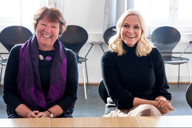 La princesse Mette-Marit de Norvège avec Marianne Borgen à Oslo, le 26 février 2018