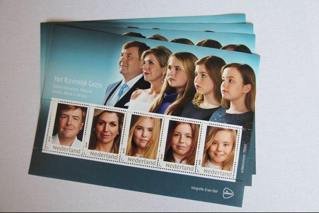 La nouvelle feuille de timbres de PostNL figurant le roi Willem-Alexander des Pays-Bas, la reine Maxima et leurs filles, le 19 septembre 2019