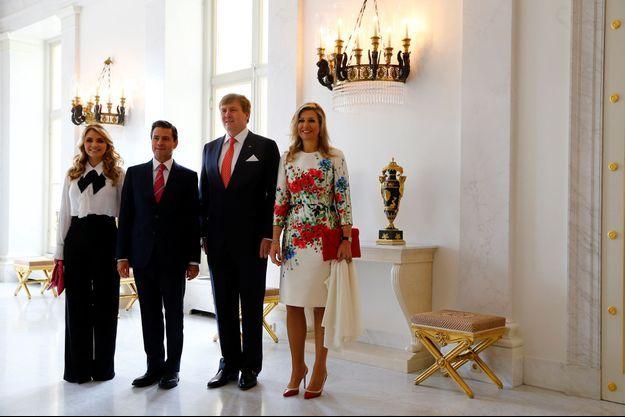La reine Maxima et le roi Willem-Alexander des Pays-Bas avec le couple présidentiel mexicain à La Haye, le 24 avril 2018