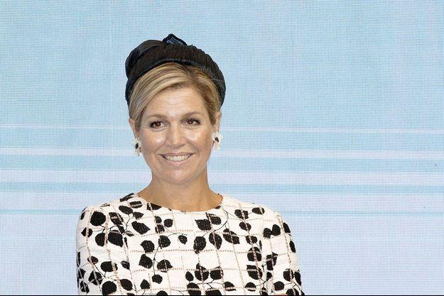 La reine Maxima des Pays-Bas, dans sa robe bicolore Carolina Herrera, le 14 septembre 2017