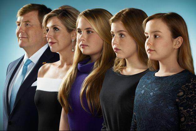 Le roi Willem-Alexander des Pays-Bas, la reine Maxima et leurs trois filles. Photo de leurs voeux diffusée en décembre 2018