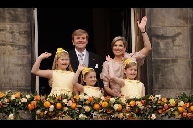 Willem-Alexander et Maxima ont été rejoints par les trois filles Amalia, 9 ans, Alexia, 7 ans, Ariane, 6 ans.