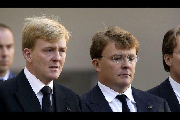 Willem-Alexander et Johan Friso, à la mort de leur père en 2002.