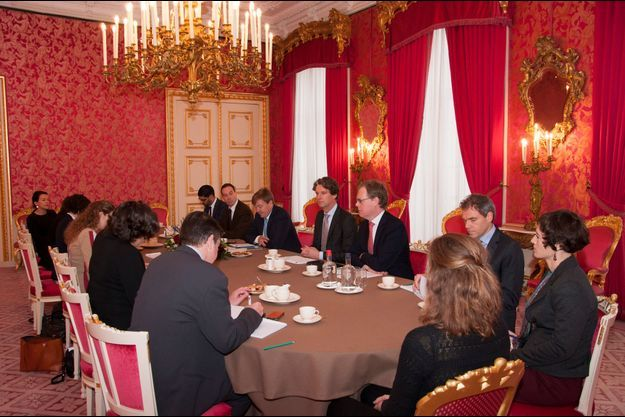 Au palais Noordeinde, petit-déjeuner avec les journalistes pour le roi Willem Alexander.