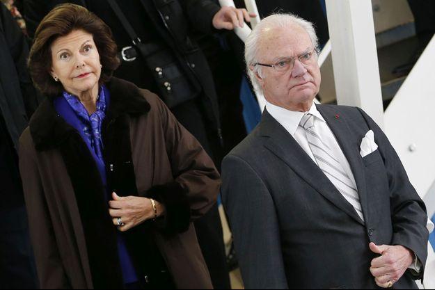 Le roi Carl XVI Gustaf de Suède et son épouse la reine Silvia