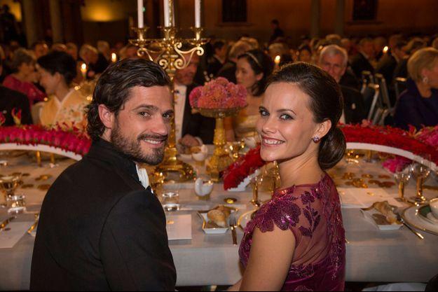 Le prince Carl Philip de Suède et Sofia Hellqvist lors du banquet des Prix Nobel le 10 décembre 2014