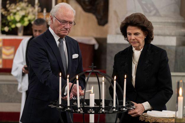 La reine Silvia et le roi Carl XVI Gustaf de Suède à Stockholm, le 11 mars 2021