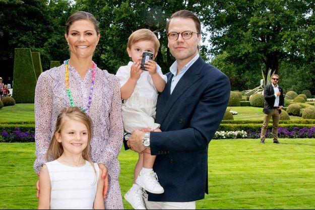 La princesse Victoria de Suède, le prince Daniel et leurs enfants la princesse Estelle et le prince Oscar, le 14 juillet 2018