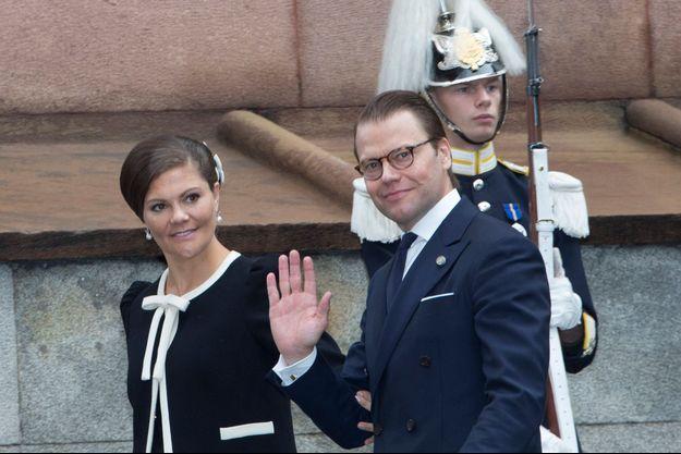 Le prince consort Daniel avec son épouse la princesse héritière Victoria de Suède à Stockholm, le 15 septembre 2015