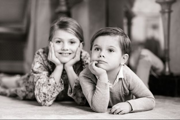 Le prince Oscar de Suède avec sa sœur la princesse Estelle. Photo diffusée pour ses 4 ans, le 2 mars 2020