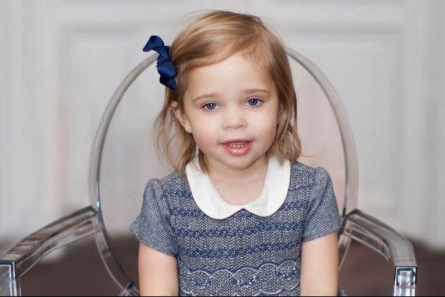 Photo officielle de la princesse Leonore de Suède pour ses 2 ans, prise le 19 février 2016